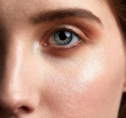 Pielęgnacja skóry po czterdziestce - jak dbać o skórę dojrzałą?